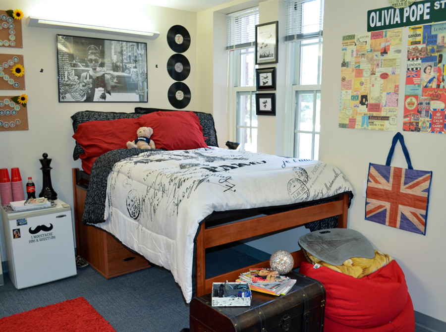 The quad housing and residence life at uncg for Furniture university village