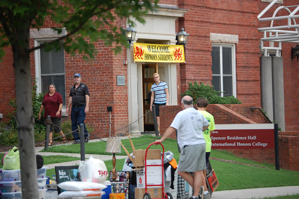 Honors College students move into North Spencer